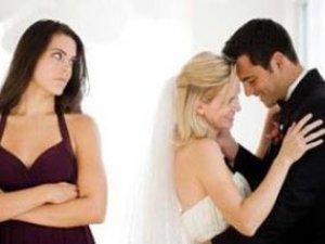 崩潰!老公的好朋友喝醉後不小心洩漏,我老公在外面有女人...該怎麼辦?