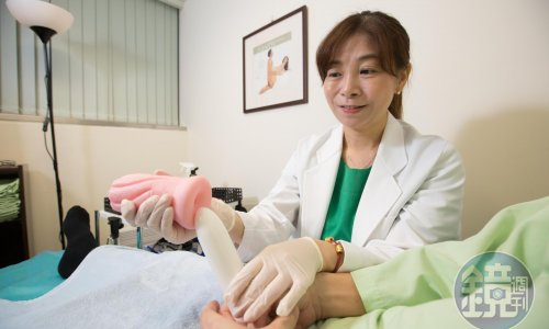 【鏡週刊財經人物專訪二 】病患斷腿也要愛愛 本是護理師的她決定轉行【性治療師二】